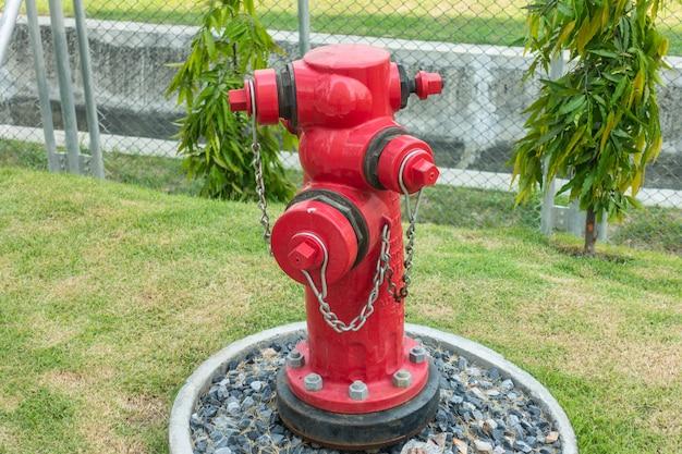 Zawory i układ sterowania hydrantu pożarowego w fabryce