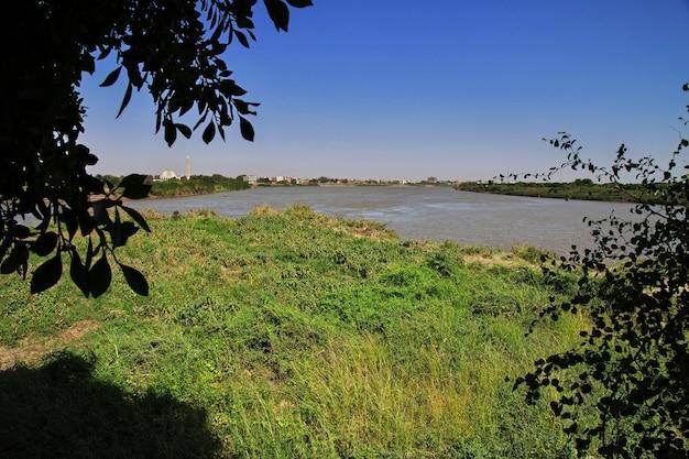 Zbieg rzek białego i błękitnego nilu