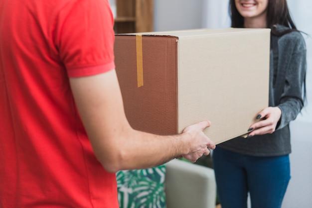 Zbierz paczkę odbiorczą klienta z kurierem