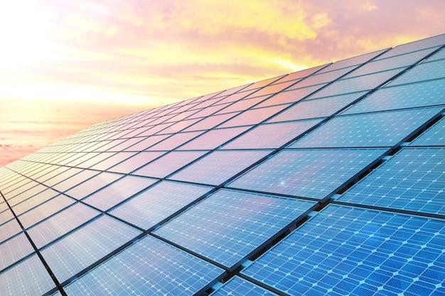 Zbierz panele słoneczne o zachodzie słońca.