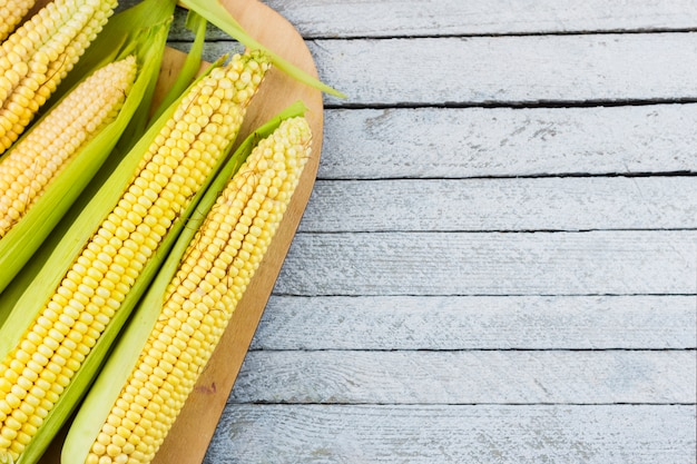 Zbiór kukurydzy widok z góry z miejsca na kopię