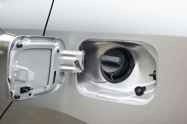 Zbiornik paliwa samochodu