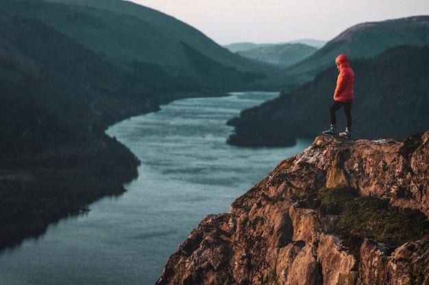 Zbiornik raven crag i thirlmere w lake district w anglii