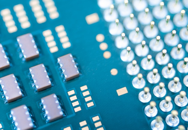 Zbliżenie cpu lub central processing unit z płyty głównej, mikroprocesorowa jednostka sprzętu komputerowego