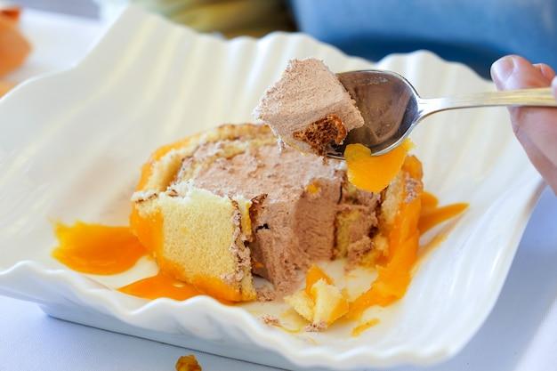 """Zbliżenie """"cygańskiego ramienia"""", typowego hiszpańskiego deseru"""