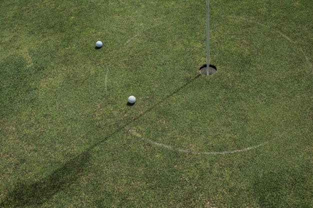 Zbliżenie: dołek golfowy. bali. indonezja.