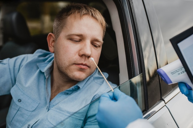Zbliżenie dysku w próbce koronawirusa