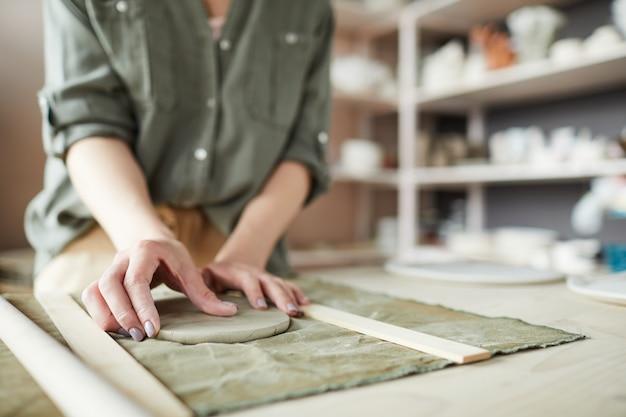 Zbliżenie kobiece rzemieślnik