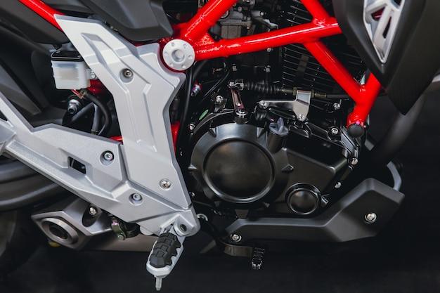 Zbliżenie mały sport ściga się nowożytnego motobike lub motocyklu silnik