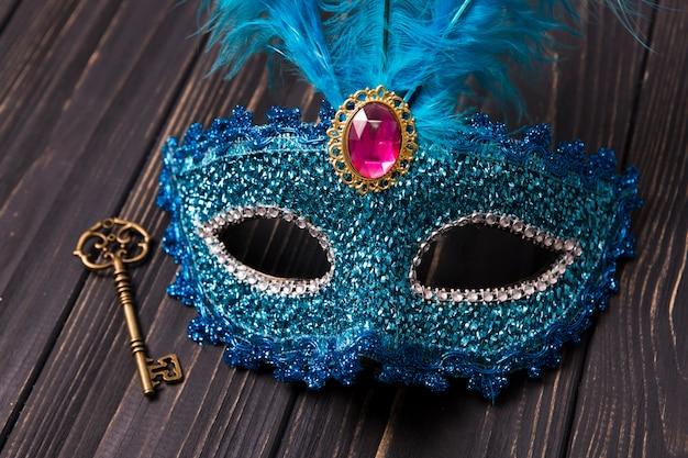Zbliżenie maska i klucz