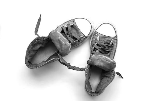 Zbliżenie na buty trampki na białym tle
