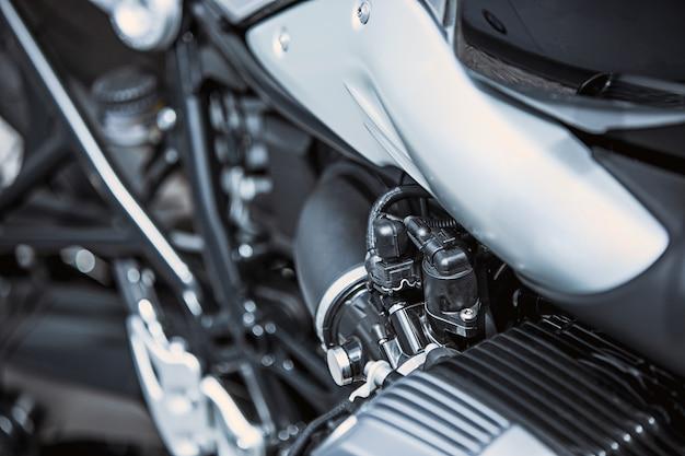 Zbliżenie na luksusowe przedmioty motocyklowe: części motocyklowe