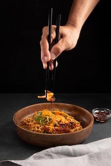 Zbliżenie na pyszne azjatyckie jedzenie?