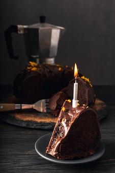 Zbliżenie na pyszne ciasto czekoladowe