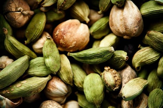 Zbliżenie nasion kardamonu zielony