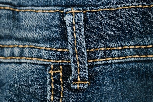 Zbliżenie pętli pasa jeansowego