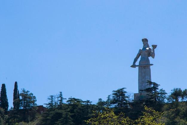 Zbliżenie posąg matki gruzji w tbilisi