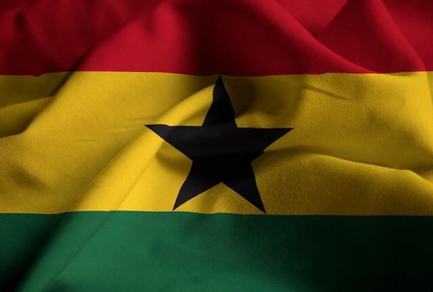 Zbliżenie potargane flagi ghany, flaga ghany wiejący wiatr