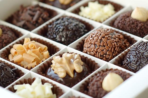 Zbliżenie pudełko czekoladek