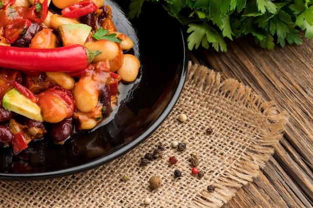 Zbliżenie pyszne meksykańskie jedzenie z chili