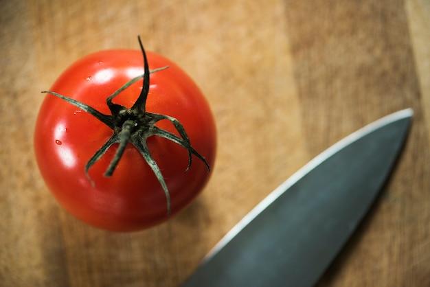 Zbliżenie świezi organicznie pomidory