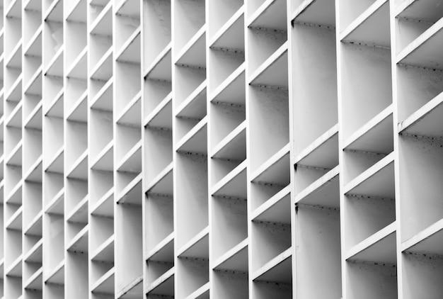 Zbliżenie wentylująca fasada betonowy budynek.