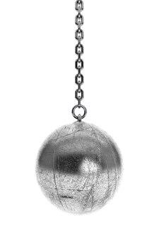 Zbliżenie wrecking ball na białym tle