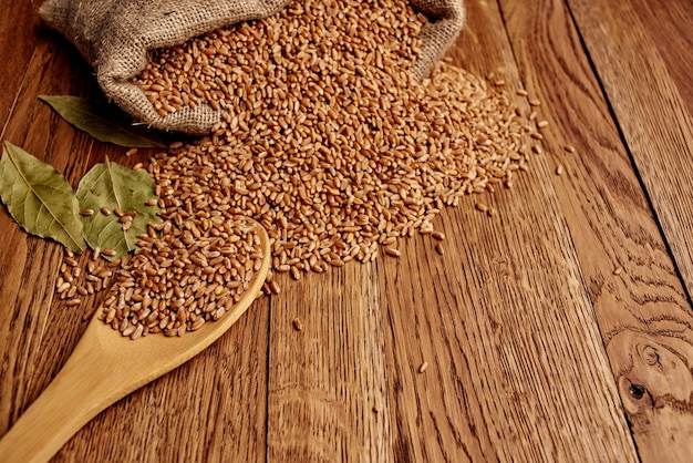 Zboża w torbie jedzenie naturalne składniki widok z góry