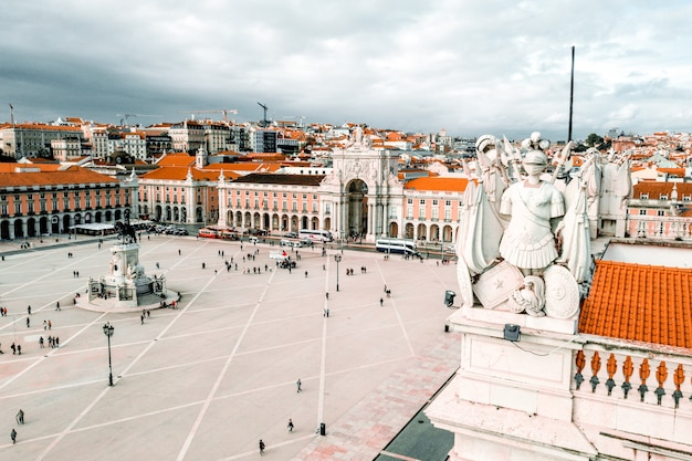 Zdjęcia lotnicze placu praca do comercio w lizbonie, portugalia