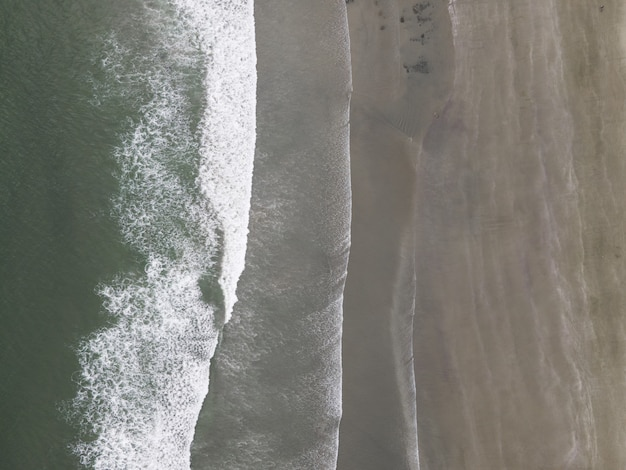 Zdjęcia lotnicze wybrzeża morskiego