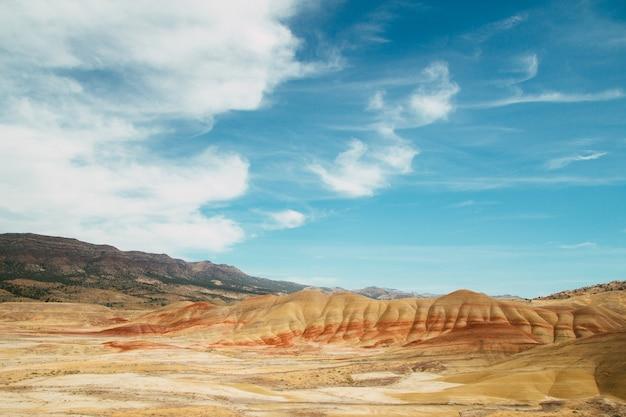 Zdjęcia lotnicze z pomnika narodowego john day fossil beds w stanie oregon, usa