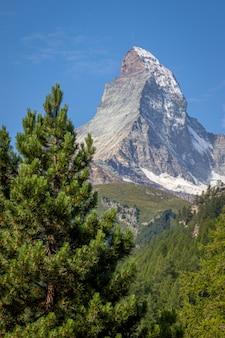 Zdjęcia miasta i góry zermat