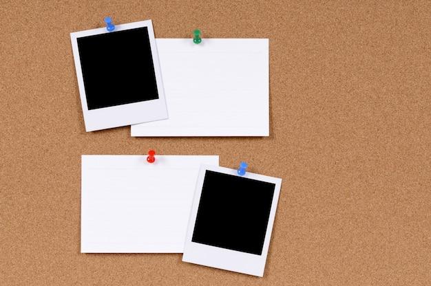 Zdjęcia polaroid z kartami katalogowymi