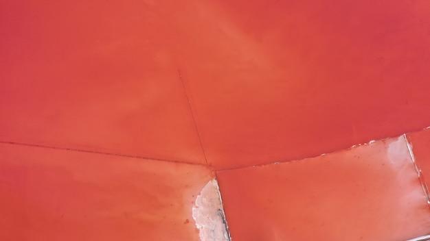 Zdjęcie z lotu ptaka z góry na dół naturalnego różowego jeziora kuyalnik w odessie