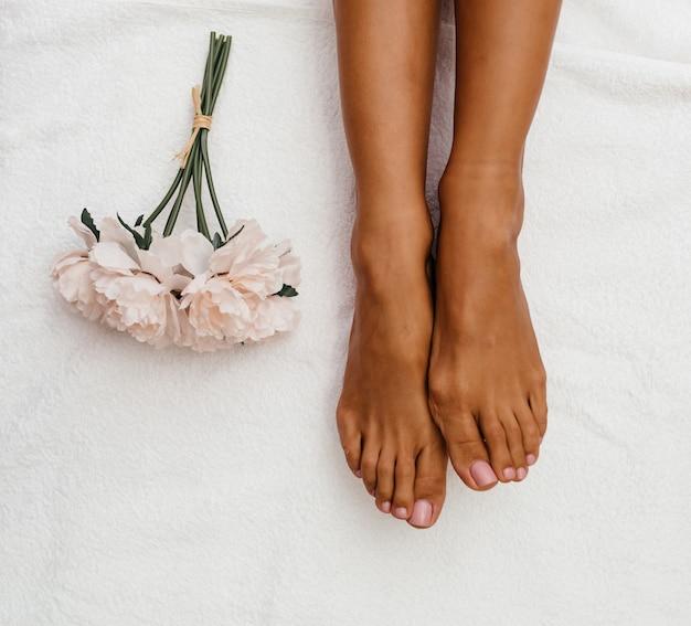 Zdjęcie z zabiegami upiększającymi - masaż stóp.