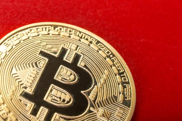 Zdjęcie złoty bitcoin