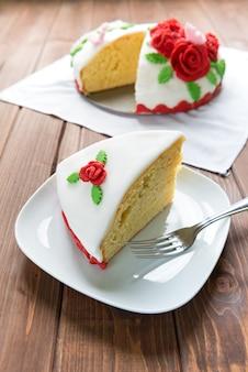 Zdobione ciasto