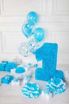 Zdobiony numer 1 na urodziny