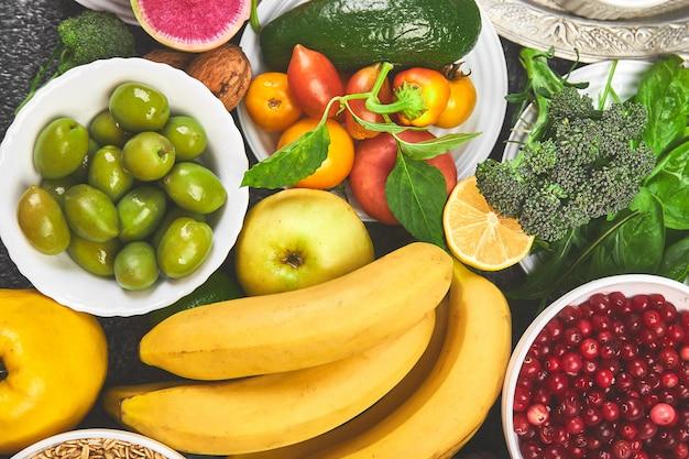Zdrowa żywność, modne produkty zawierające alkalia.