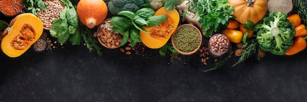 Zdrowa żywność z warzyw, zbóż wysokobiałkowych