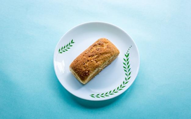 Zdrowe ciasto kawałek piekarni luch w katmandu, nepal.