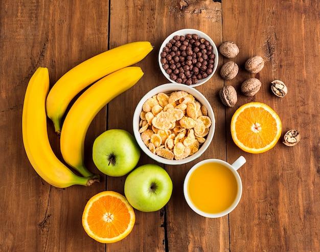 Zdrowe domowe śniadanie musli