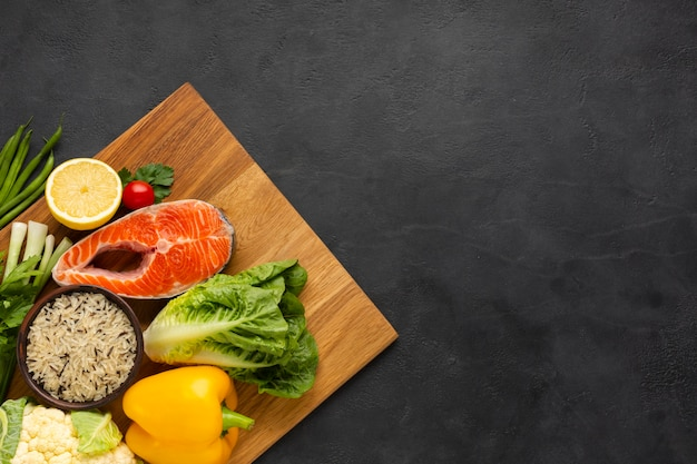 Zdrowe jedzenie z miejsca na kopię