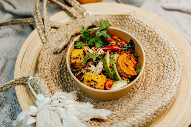 Zdrowe wegetariańskie jedzenie dla zbilansowanej diety bogatej w witaminy