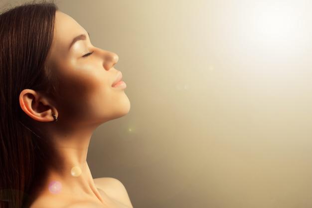 Zdrowie, zdrój i piękna pojęcie, - zamyka up twarz piękny y