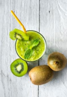 Zdrowy kiwi smoothie letni przepis