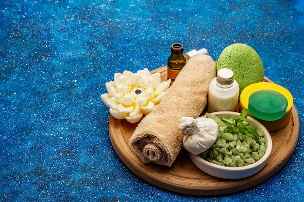 Zdrowy rytuał dbania o siebie. kosmetyki naturalne, zestaw spa