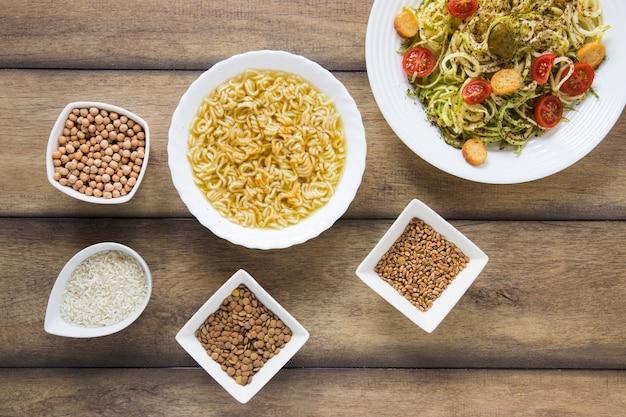 Zdrowy styl życia posiłki na drewniane tła