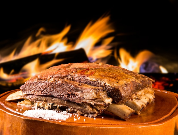 Żeberka z grilla, tradycyjny brazylijski grill.