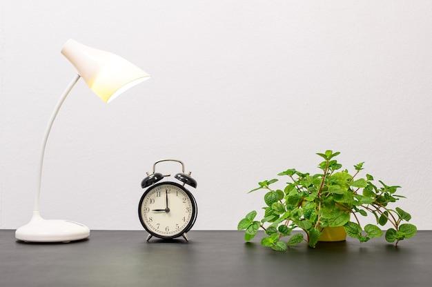 Zegar i lampa